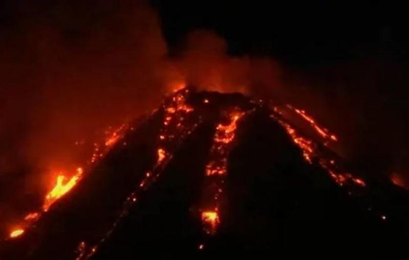 El más grande de Europa entró en erupción