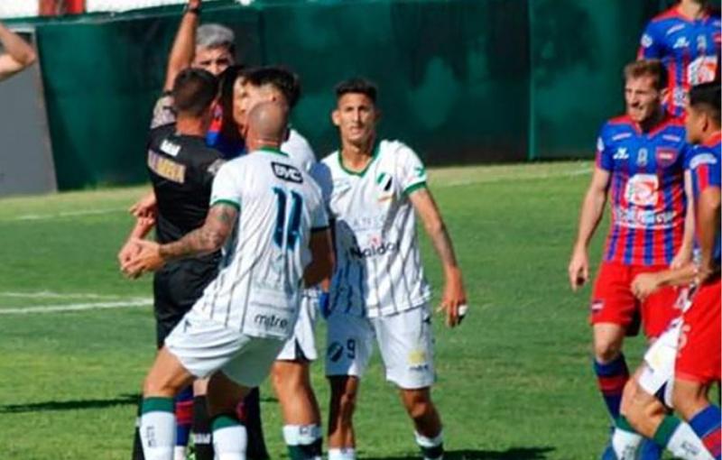 Güemes venció a Villa Mitre en un partido polémico