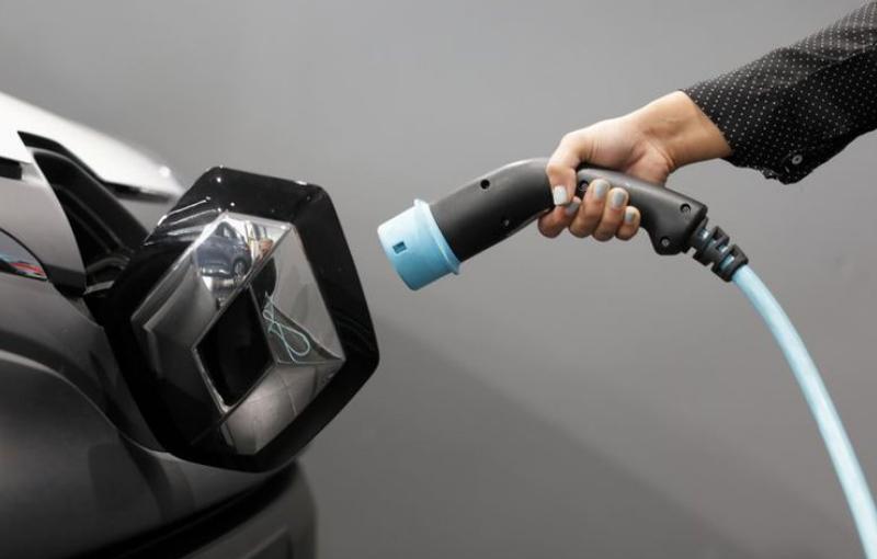 Baterías para autos eléctricos que se cargan en 5 minutos
