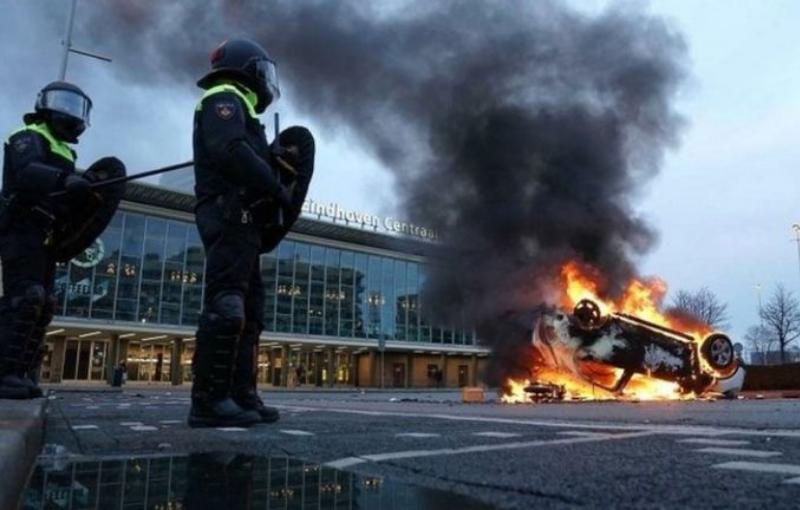 Protestas en Holanda contra los encierros por coronavirus