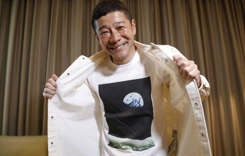 Un japones busca acompañantes que quieran viajar gratis a la Luna